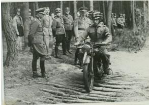 Motor-HJ-Kurse im Hardter Wald